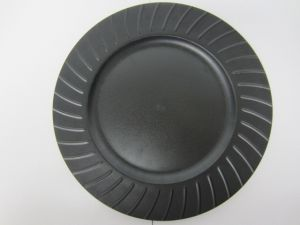 PLASTIC PLATE 13 IN BLACK